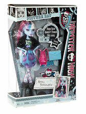 Monster High  ABBEY BOMINABLE PICTURE DAY DOLL NIB