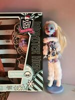 Monster High Abbey Bominable 1st wave doll with box