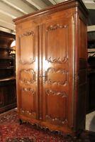 Très grande armoire 18e chêne massif décor sculpté époque Régence Cabinet