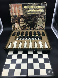 Vintage Renaissance Chessmen Board Game from E.S. Lowe (1970) Complete w/Board