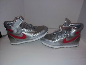 Nike Snow Waffle High Top Silver Red Faux Fur Lined Womens Shoes Size 10