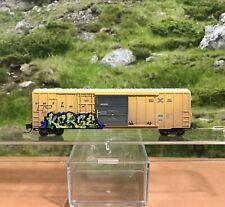 Z SCALE MICRO-TRAINS WEATHERED RAIL BOX 50' RIB SIDE SINGLE DOOR BOX CAR