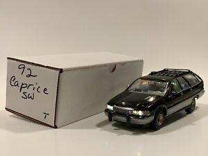Modelhaus - Custom FBI 1992 Chevrolet Caprice Wagon Resin Model 1:25 With Lights