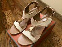 1,200$ Loro Piana Beige and Brown Women's Sandal Size US 9 Made in Italy