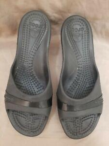 Crocs Women's Sassari black Open Toe Wedge Heel Slip On Sandals Size 9