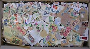 Briefmarken Konvolut 7,6 KG Deutschland alle Welt Riesenkarton voll Fundgrube!