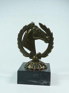 Pferdefigur Pokal Trophäe Dressur Reitsport Pferd Sieger Pferde Turnier Gravur