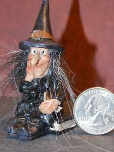 Dollhouse Miniature Halloween Witch A Figurine 1:24  scale G44 Dollys Gallery