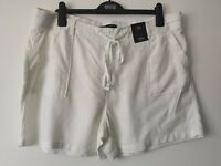 LADIES M&S SIZE 18 SOFT WHITE PULL ON LINEN RICH SHORTS FREE POST