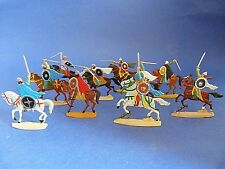 Plats d'étain - flat tin - Zinnfiguren - 10 cavaliers francs - Moyen-âge lot 7