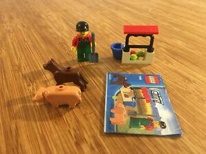Lego City Town Set 7566 Farmer (2010).
