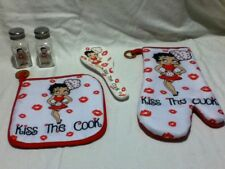"BETTY BOOP 4 PC. KITCHEN SET - ""KISS THE COOK'"" -BRAND NEW STYLE  -GREAT PRICE !"