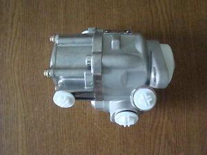 Hydraulikpumpe Lenkung Servopumpe Mercedes Benz LKW  Actros