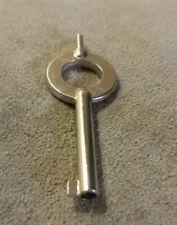 1 Police Universal Handcuff Key Smith & Wesson Peerless CTS Hiatt Thompson B3-14