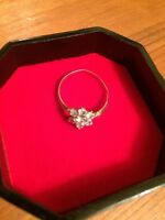 Ladies 9ct Carat yellow Gold daisy cluster 7 stone Ring Cubic Zirconia