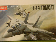 1/144 SCALE  F-14  TOMCAT  FIGHTER  AIRCRAFT MODEL