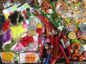 500 Teile  Mitgebsel Mix Kindergeburtstag Kleinspielzeug Spielzeug Wurfmaterial