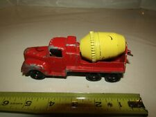 VINTAGE TOOTSIETOY TRUCK CEMENT MIXER CONSTRUCTION 5 1/2 INCH RED & YELLOW
