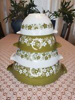 Set of 4 nesting pyrex mixing bowls Spring blossom Cinderella Crazy Daisy