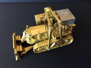 Ajin of South Korean Brass Model Caterpillar D8