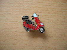 Pin Anstecker Piaggio Vespa Hexagon rot red Roller Scooter Art. 0669