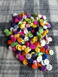 200 bulk small mixed plastic sewing craft knitting buttons 9mm 2 hole