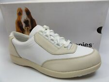 HUSH PUPPIES Classic Walker Women's  off White Leather SZ 9.5 WIDE NEW  D6805