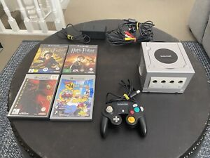 Nintendo Gamecube Console Platinum Special Edition With 4 Games And 1 Controller