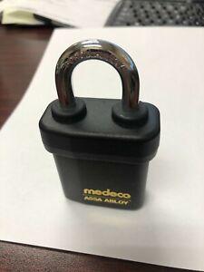 """MEDECO 54515LO-  Indoor/Outdoor Padlock; 5/16"""" X 1-1/8"""" Shackle; w/o Core"""