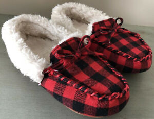 Gap Kids size 12/13 Red & Black Buffalo Plaid House Shoes Slippers