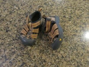 KEEN Newport H2 infant 6 Sandals Athletic Brown boy Girl canvas hiking EUR 24