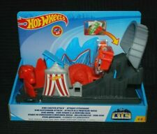 Hot Wheels City Dino Coaster Attack inc 1 Vehicle BNIB