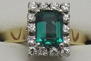 SOLID 18CT YELLOW & WHITE GOLD EMERALD & DIAMOND ENGAGEMENT/DRESS RING VAL $2835