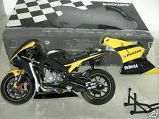 MOTO GP YAMAHA YZR-M1 DUNLOP 2006 Carlos CHECA TECH 3 1/12 Minichamps 122063007