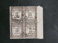 Timbres avec 2 timbres avec 4 timbres