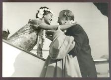 Le PDG AIR FRANCE à Tahiti lors du voyage inaugural Mai 1960 - Argentique 13x18