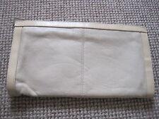 Vintage Sac à main embrayage Bueno BEIGE AVEC FERMETURE ÉCLAIR & CLOUS compartiments 13 x 7 in (environ 17.78 cm)