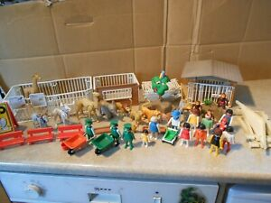 Playmobil Vintage  Zoo 1974  with 15  animals & 14  figures  cages  VGC