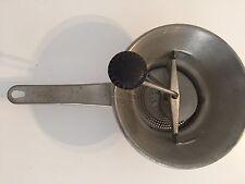 Ancienne moulinette presse purée Moulin-légumes déco cuisine vintage
