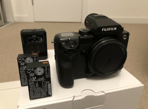 FUJIFILM GFX 50s + 2 Batteries & Extra Dual Charger