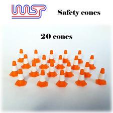 Conos De Seguridad Naranja y Blanco 15mm Pack 20 1:32 paisaje lateral de pista