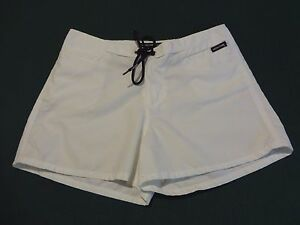 """Volcom Stone Ivory with Black Accents Boardwear """"Stone Peat"""" Shorts - Jr. Size 7"""