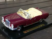 Rare Mercedes Benz 280 SE Convertible 1:18 Car Maisto 1966 Carnelian Red Toy