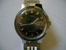 VINTAGE  MEN WIND UP TIMEX 1977 RUN AND KEEP TIME