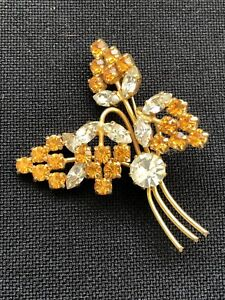 Vintage gold tone brooch floral style (B.150)