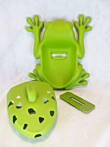 Boon Frog Pod Bath Tub Pool Toy Scoop Toy Storage
