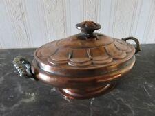 112 - Ecuelle cuivre étamé – Anses laiton – Couvercle cuivre repoussé