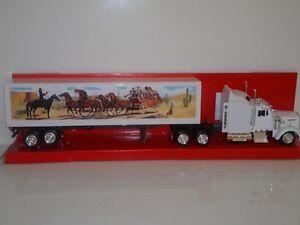Smokey & The Bandit Kenworth W900 Movie Truck 1:43 Code 3 NIB