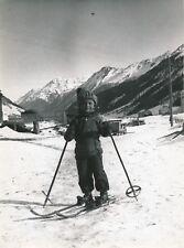 AUTRICHE c. 1950 - Jeune Garçon Enfant Ski aux Pieds Traineau Galtür - Div 11710