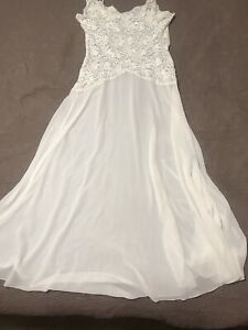 Victoria's Secret Pearl White bridal gown With Bows/sheer Skirt Size L Fits Big!